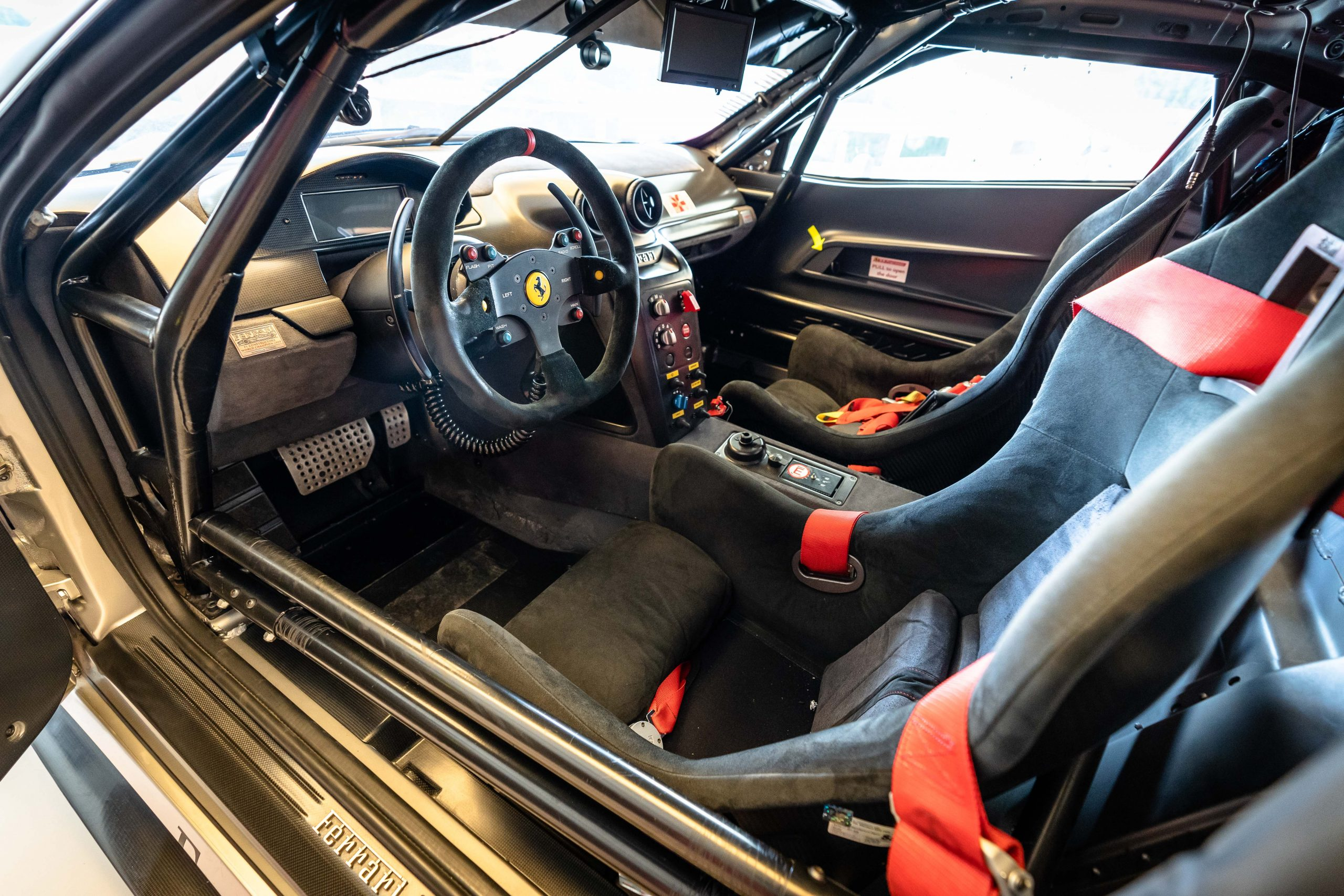 F599xx - interior