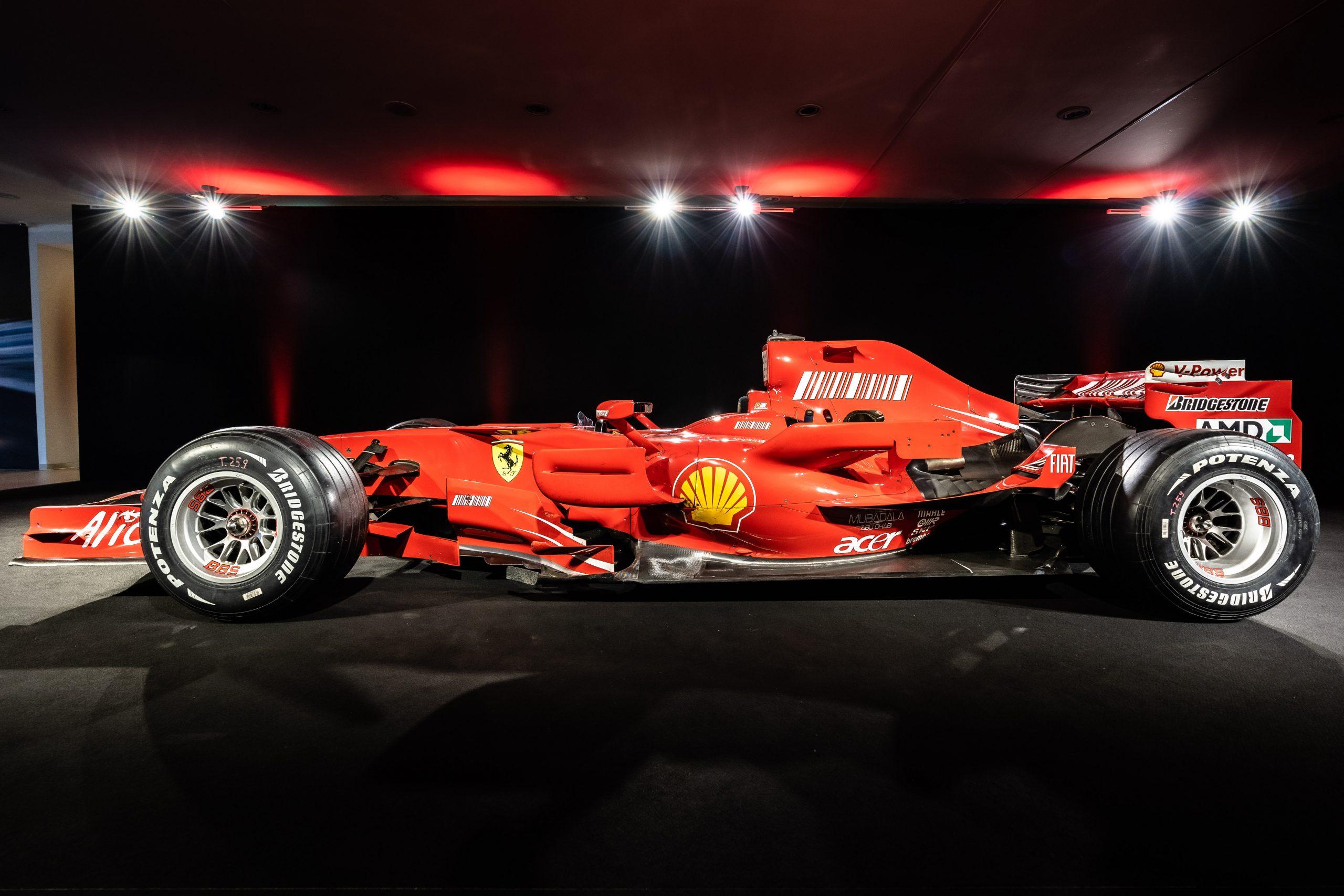 Ferrari F2007 - left flanc
